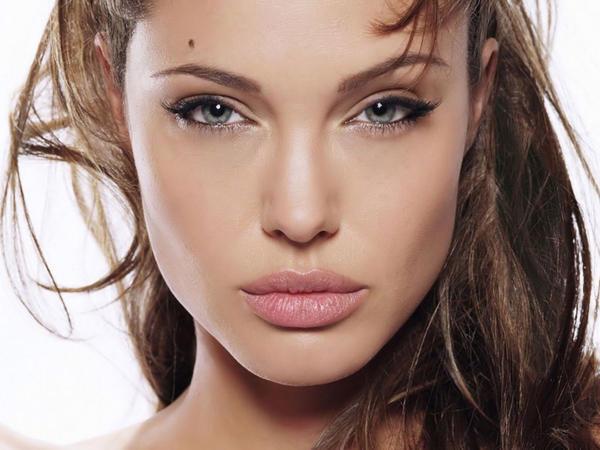 Angelina Jolie Wallpapers.